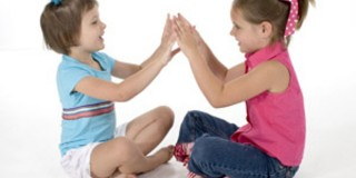670_Children-playing-pat-a-cake