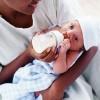 670_Mother-feeding-newborn-with-bottle
