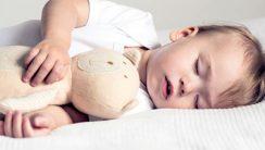 5 nawyków, które ułatwią usypianie niemowlęcia