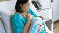 breast-feeding-Niebieskie-Pudełko