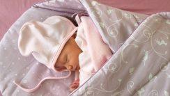 zawijanie niemowląt
